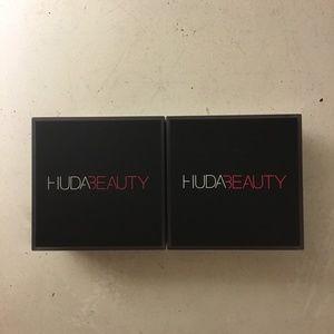 2 Huda Beauty Easy Bake Powders coffee cake & cin